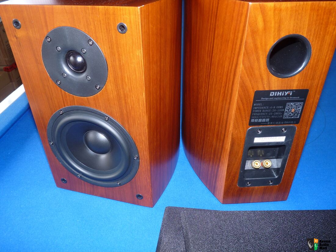 "high end 6.5"" bookshelf speaker.denmark brand vifa drivers.curved"